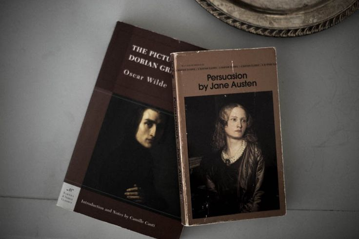 aestheticism and dorian gray Oscar wilde's only novel the picture of dorian gray is a classic instance of the aestheticism of the late 19th century's english literature read more about the.