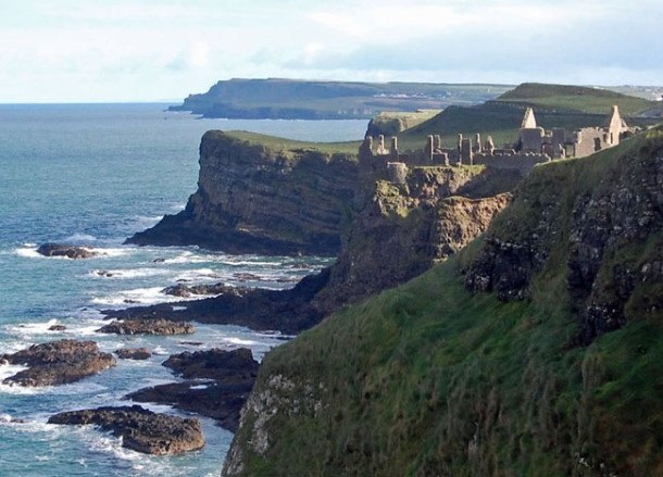 Dunluce Castle on the Causeway Coast. Top 10 Northern Ireland Attractions | For full list of Northern Ireland attractions check here: http://live-less-ordinary.com/europe-travel/top-10-northern-ireland-attractions-tourism-ni