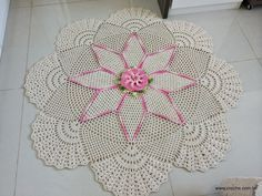 PATTERNS CROCHET TOP: Carpet star-shaped with flower