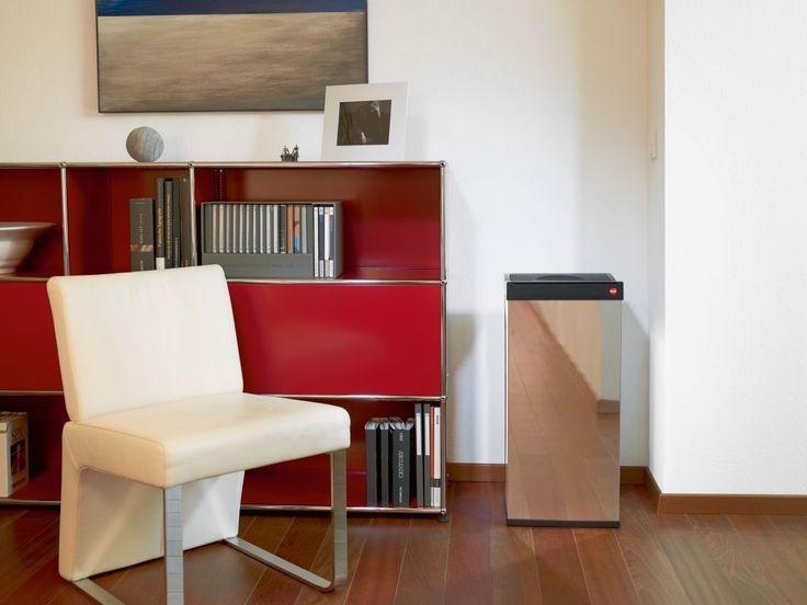 Der Mülleimer passt sich mit der edlen Metall-Optik perfekt in jeden Raum ein. Zusätzlich ist die Hailo Big-Box als Großraum-Abfallbox perfekt für größere Müll-Mengen z. B. Papier im Büro. Der Edelstahl Behälter ist hochwertig und langlebig!