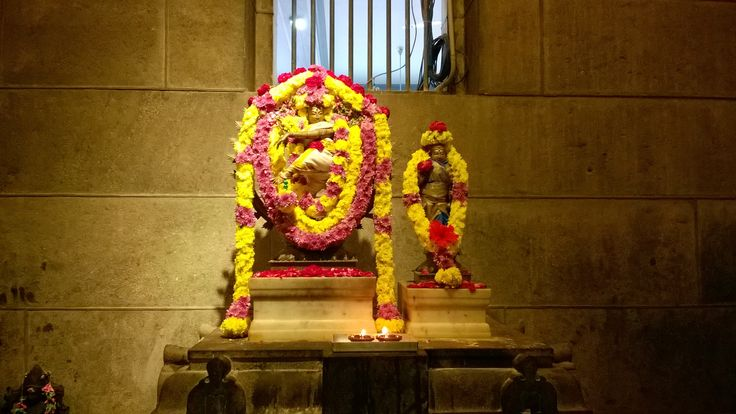 #nataraj #natarajdeity #sriramanaashramam #shrine #tiruvannamalai  The statue of the deity Nataraj bedecked with flowers on the occasion of Mahadeep - Sri Ramana Ashramam