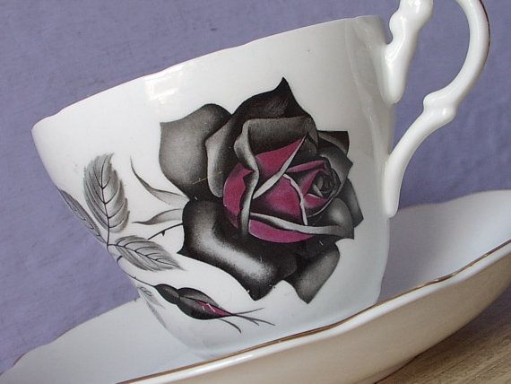 Antik Royal Ascot Gotik stieg Tee Tasse und von ShoponSherman