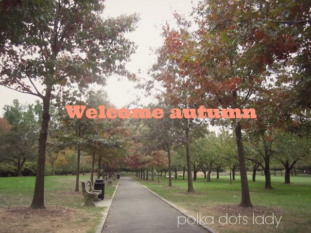 welcome autumn polka dots lady
