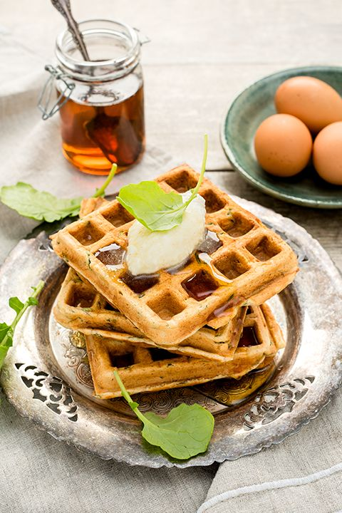 INGREDIENTS BY SAPUTO | Who says waffles have to be sweet? This healthy recipe for savoury waffles with kale, Parmesan and Saputo Ricotta is the perfect idea for a chic brunch.