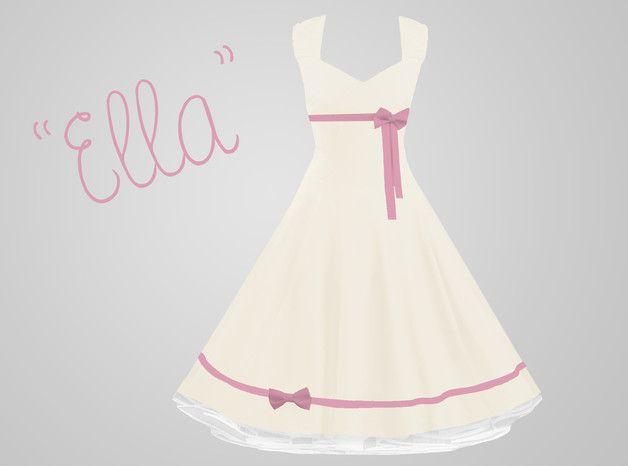 """""""Ella"""" ist ein wunderschön elegantes und zeitloses natur-weißes Baumwoll-Kleid, das ganz individuell nach Ihren persönlichen Maßen geschneidert wird. Das Dekolleté ist herzförmig und figurbetont..."""