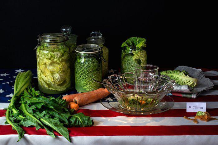 Диеты знаменитостей в виде натюрмортов. Билл Клинтон (Bill Clinton): капустный суп с целым списком овощей.