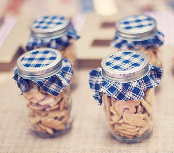 animal cracker favors (vintage county fair first birthday party)