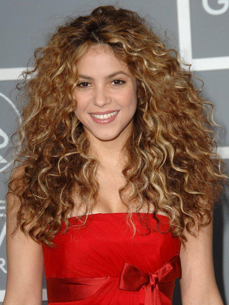 Les cheveux bouclés de Shakira