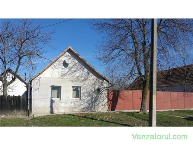 Vand casa in Maureni 12500 euro Maureni - Vanzatorul