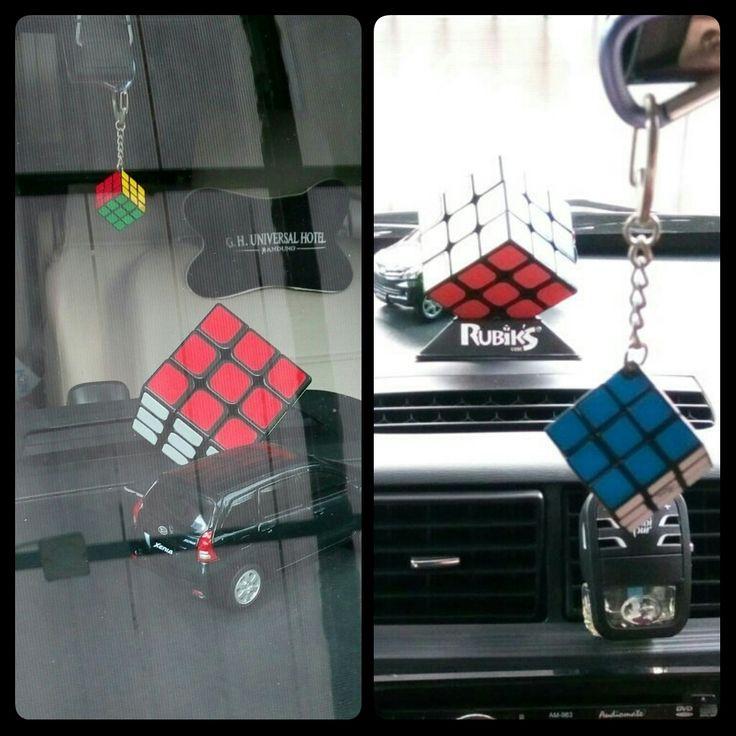 Serba #Rubik di mobilku, #keren kan? 😁😉  #rubiks #rubikscube #rubikscubes #rubiks_cube #puzzle #toys #toys #fastrubikscube #rubiksmagic #rubik3x3 #masakecilkurangbahagia #mainan #diecast #diecastcar #diecastcars #carinterior #carcabin #rubikslover #car #mycar #hiasanmobil