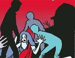 तेलंगाना के रंगारेड्डी जिले में एक महिला के साथ एक ऑटोरिक्शा चालक और तीन अन्य लोगों द्वारा सामूहिक दुष्कर्म किए जाने का मामला सामने आया है