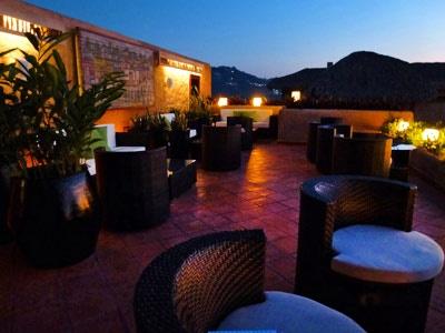 La Casa que Canta, Bar Lounge Luz de Luna