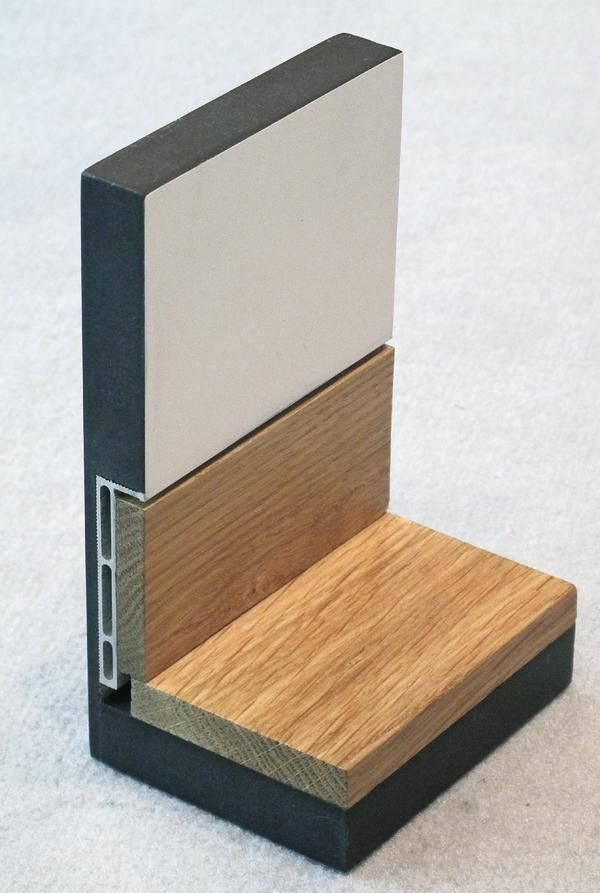 Aluprofil von AGS für Flächenbündigkeit im Sockelbereich Mithilfe einer Unterputzschiene lassen sich Sockelleisten flächenbündig montieren. Die Idee stammt vom Unternehmen AGS-Systems aus Südtirol. In Deutschland wird das Produkt über Repac Montagetechnik vertrieben.