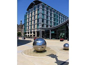 Museums, monuments and leisure activities at the Mercure Sheffield St Paul's Hotel and Spa hotel in SHEFFIELD