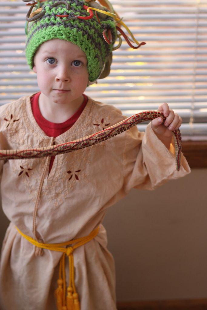 homemade medusa costume diy super easy for halloween - Medusa Halloween Costume Kids
