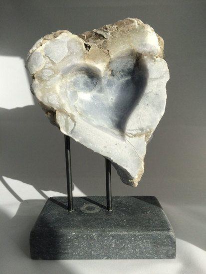 Blue Heart, gemaakt van blauwe Albast