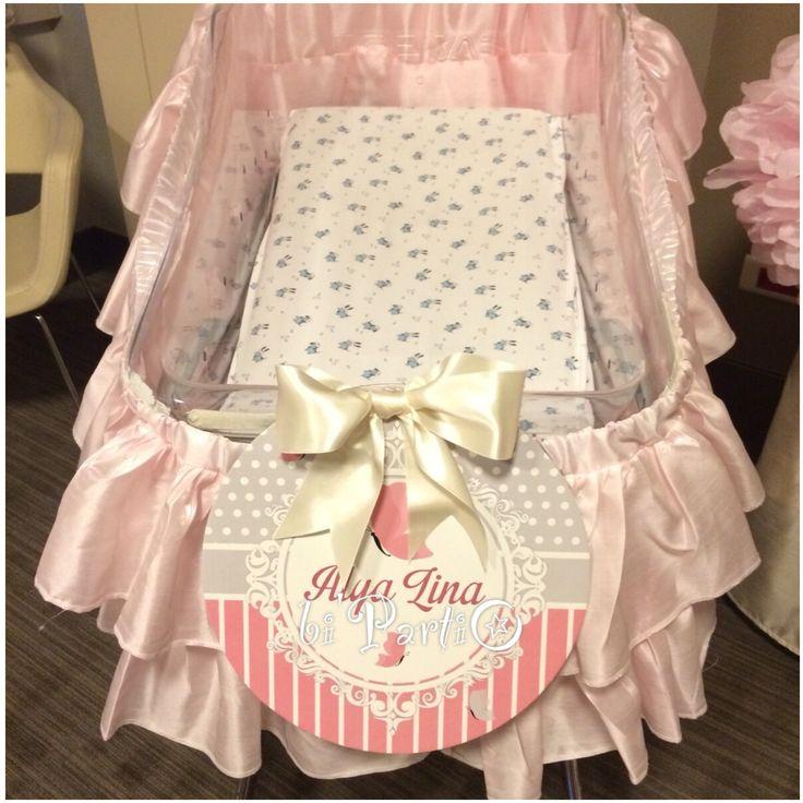Bebek beşiği süsleme,hastane süsleme, doğum odası süsleme,kız bebek süsleme,bebek besigi susleme.