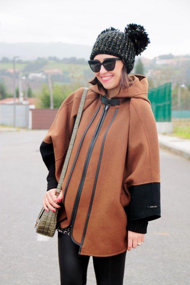 Mi vestido de lentejuelas: Cape ^.^ Capa de Zara color camel,gorrito de pompones y leggings de piel