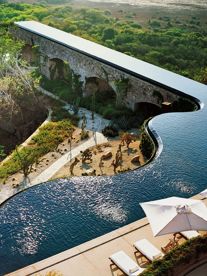 zero edge pool / aquaduct design - Mexico