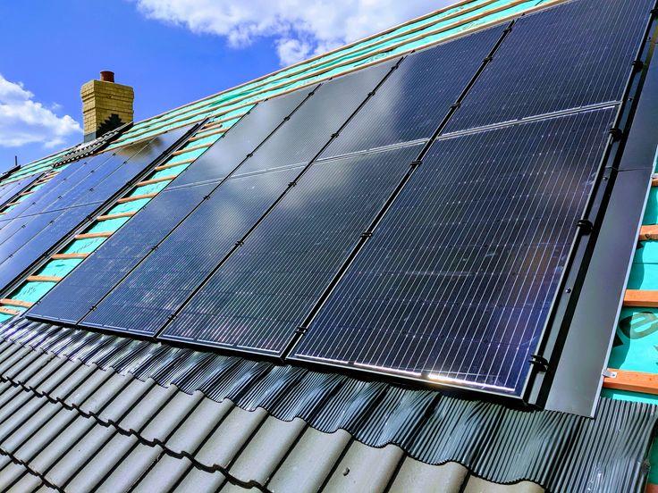 4 arrays of GSE integrated solar PV using Longi 300W