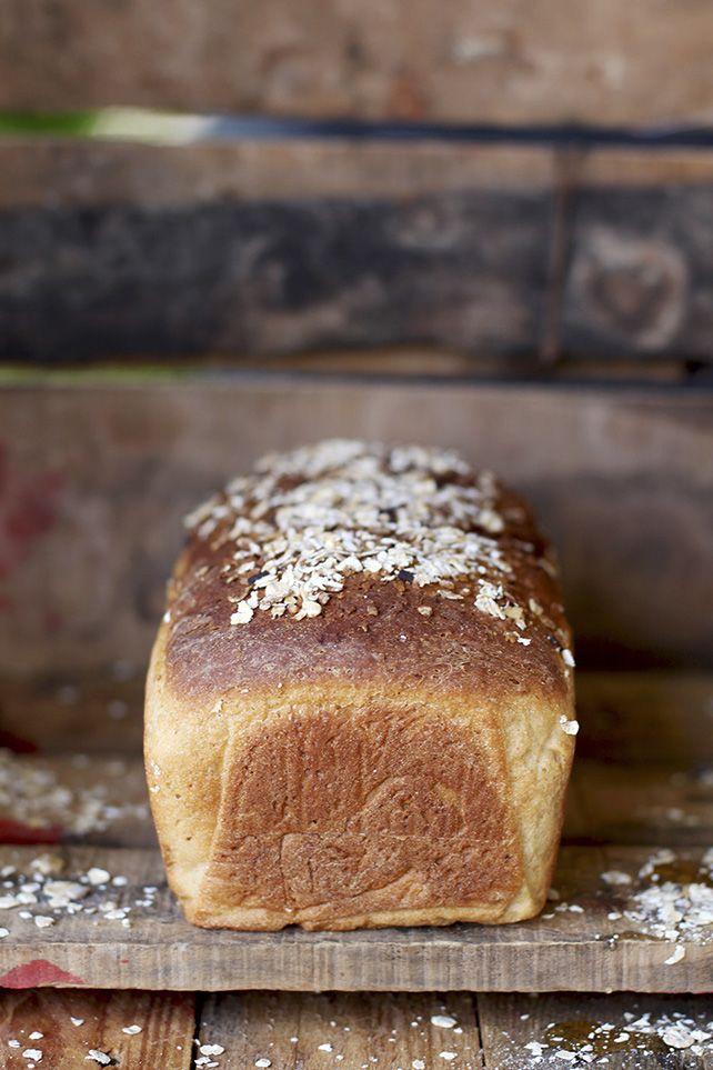 Pan tipo molde con avena y miel