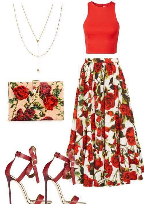 rosas rojas                                                                                                                                                                                 Más