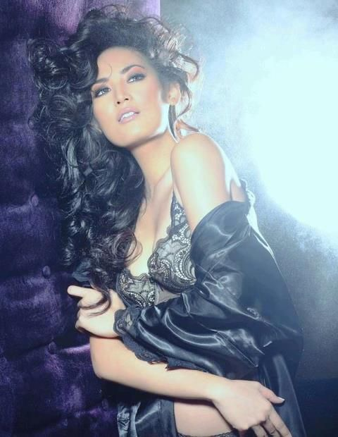 Miss Indonesia 2011 Glamshot