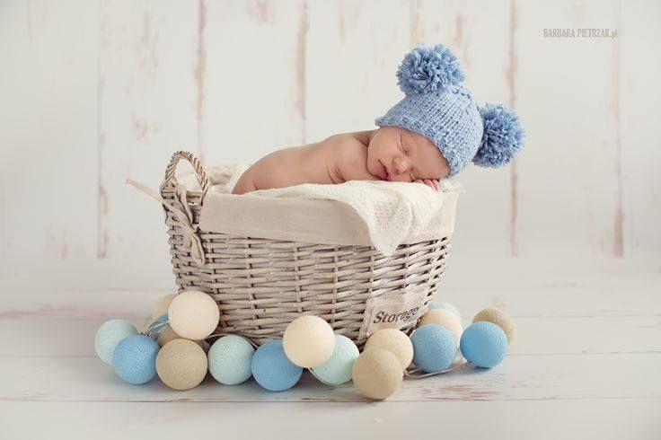 Ljuvlig bild från vårt systerföretag i Polen. Baby, vila och Cottonballights :) www.cottonballights.se #ljusslingor #ljusslinga #cottonballights #cottonballlights #baby# barn #ljuvligt #interiör #heminredning #julklapp #present #gulligt