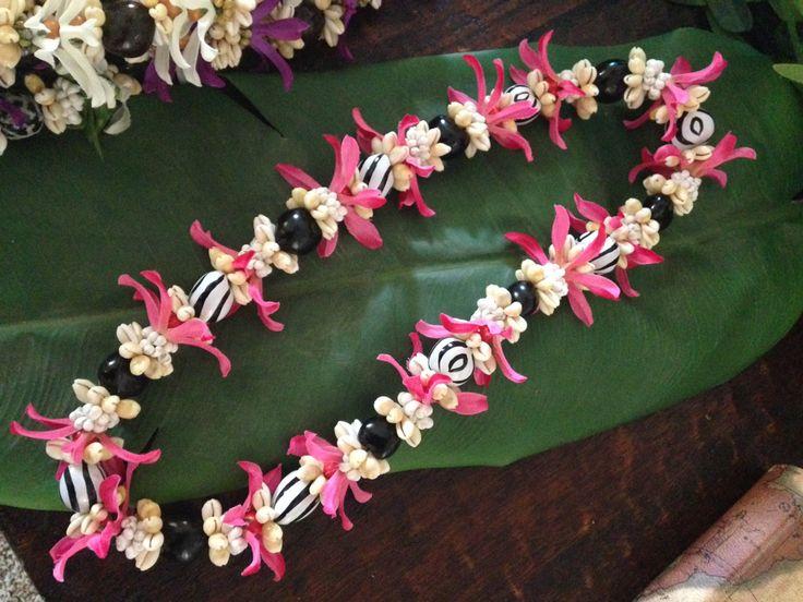 The Pink Zebra Lei hulamelani.etsy.com