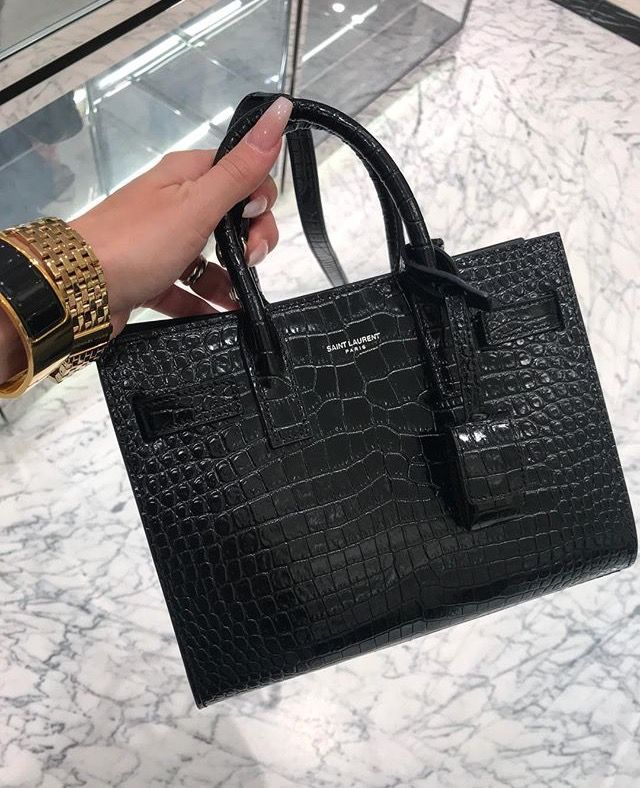a406dc8f54 Yves Saint Laurent sac de jour small crocodile black bag. Agneseworld  (Instagram) Outfits