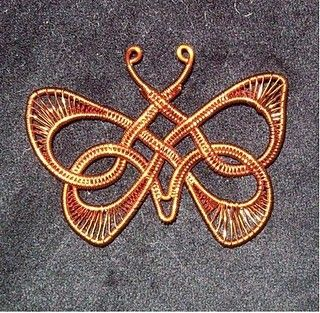Google Image Result for http://cdnimg.visualizeus.com/thumbs/8e/74/animals,butterfly,crafts,jewelry,wire-8e74d30e6365427ccd6268b6d455a98e_i.jpg