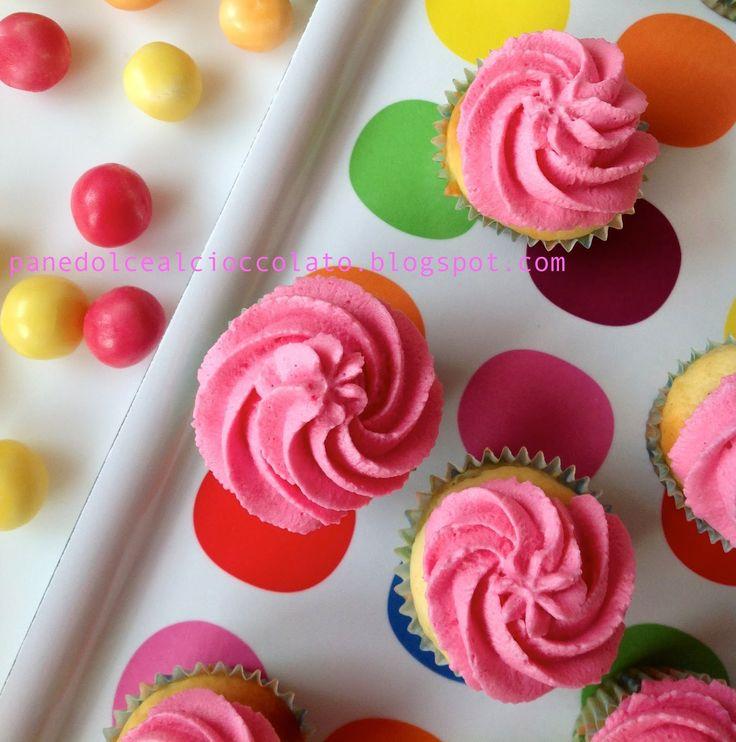 Cupcakes alla Vaniglia con Frosting allo yogurt