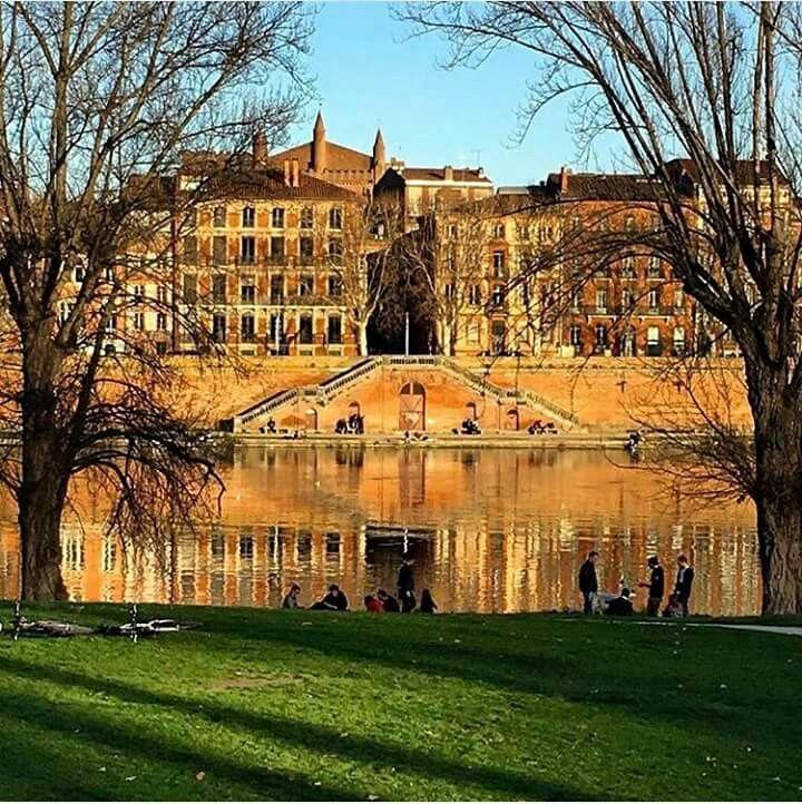 Le Quai De Tounis Avec Images Prairie Des Filtres Patrimoine Mondial Toulouse