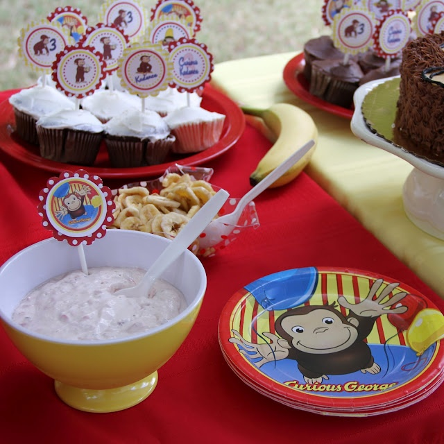 A Little Loveliness: Curious George Birthday Party (good ideas for a menu) aahhhh Calen loves George
