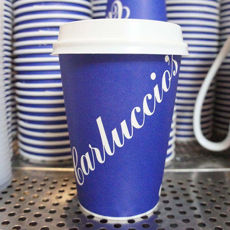 Yürüyüşlerinize lezzet katmak için Take Away kahvelerimiz her zaman yanınızda. :) #CarlucciosTR #coffee #takeaway