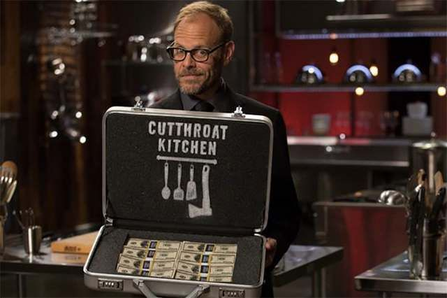 Cutthroat Kitchen S05E12 stream - Superstar Sabotage: Finale Watch full episode on my blog.