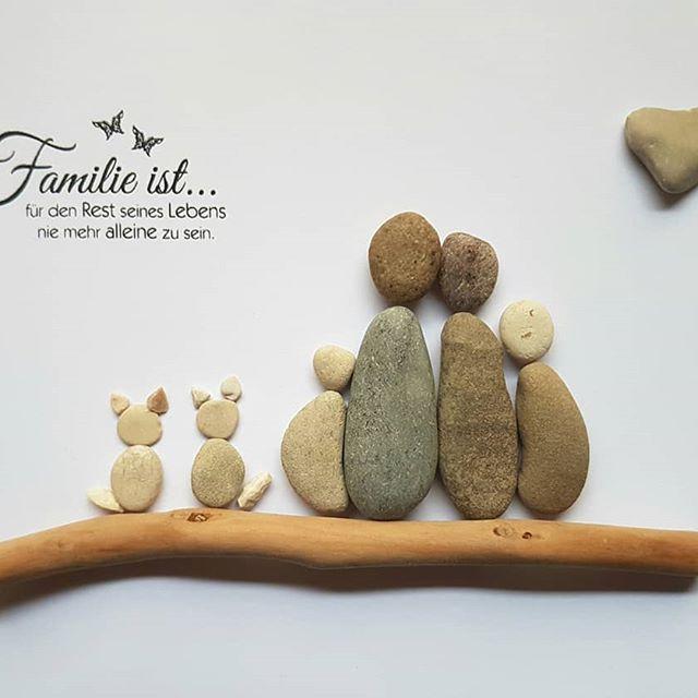 Sonderauftrag nach Kundenwunsch ❤#kieselkunst #steine #kieselsteine #kiesel #stones #pebbles #pebblesart #tamikra #selfmade #kreativ #creativ #Familie #Geschenk #Steinkunst #artwork #artoftheday #art #kunst #Ostsee #Rhein #Familie #family #cats #katze