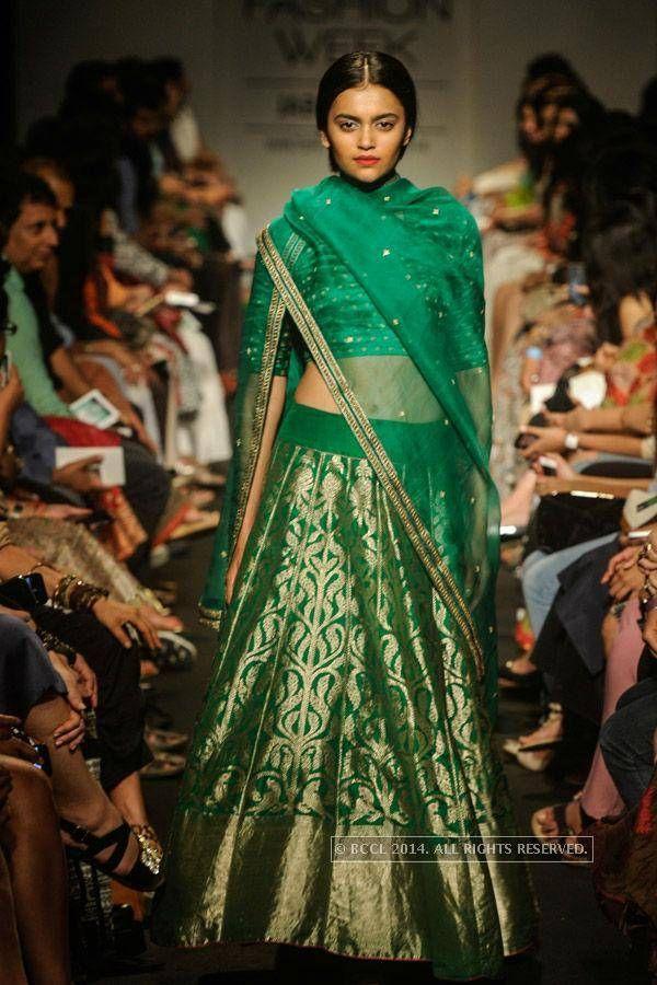 LFW '14: Sanjay Garg- to do on an old Banarsi saree