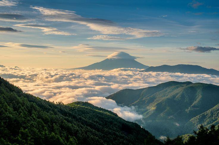 FUJIFILM X-E1 + FUJINON XF18-55mm/2.8-4   Mt.Fuji, Japan   https://www.facebook.com/FUJIFILMXseriesJapan   Photography by Hayato Ebihara   http://fujifilm-x.com/photographers/ja/hayato_ebihara/