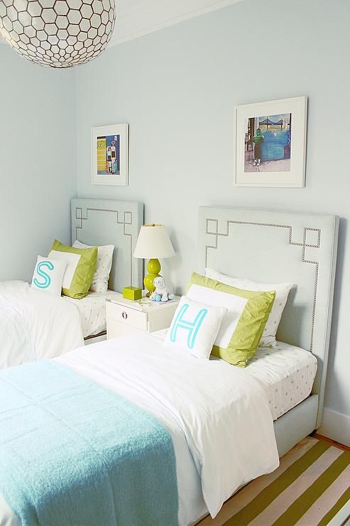 Best 25 green girls bedrooms ideas on pinterest green - Twin bed ideas for small bedroom ...