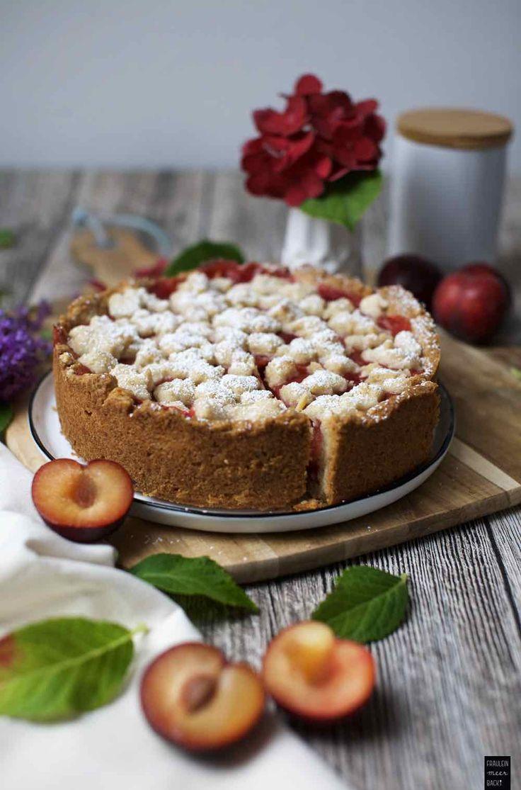 Leckerer Pflaumen-Pudding-Kuchen mit Streuseln, Pflaumenkuchen, Backen, Herbst, Steinobst | Fräulein Meer backt