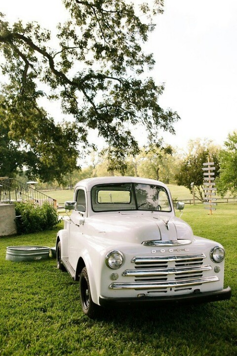 17 best images about cool old dodge trucks vans on pinterest tow truck dodge pickup and. Black Bedroom Furniture Sets. Home Design Ideas