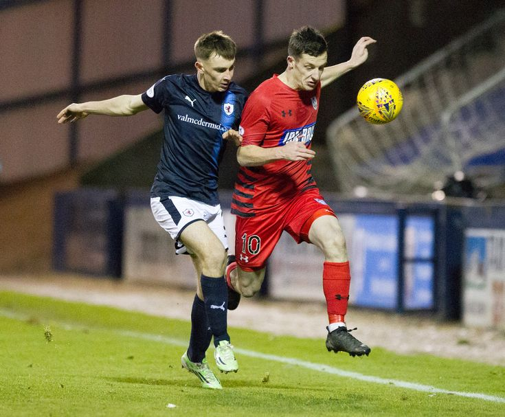 Queen's Park's David Galt in action during the SPFL League One game between Raith Rovers and Queen's Park