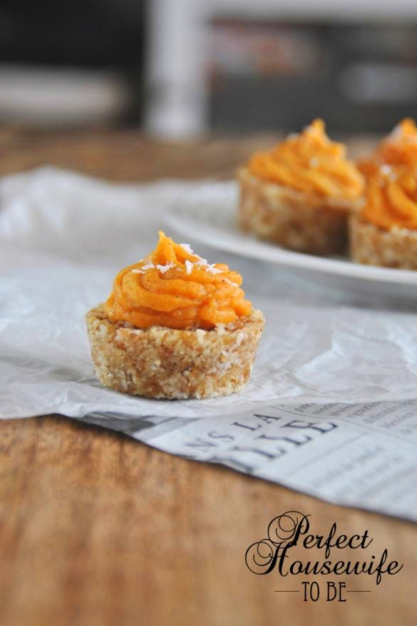 Perfect Housewife - to be: gezonde superfood 'cupcake' met zoete aardappel en dadels / healthy superfood cupcakes with sweet potato and dates