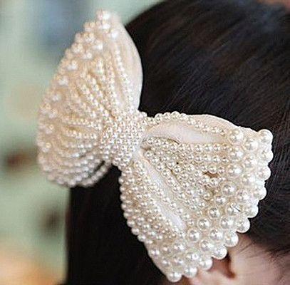 Pretty Pearl Bow