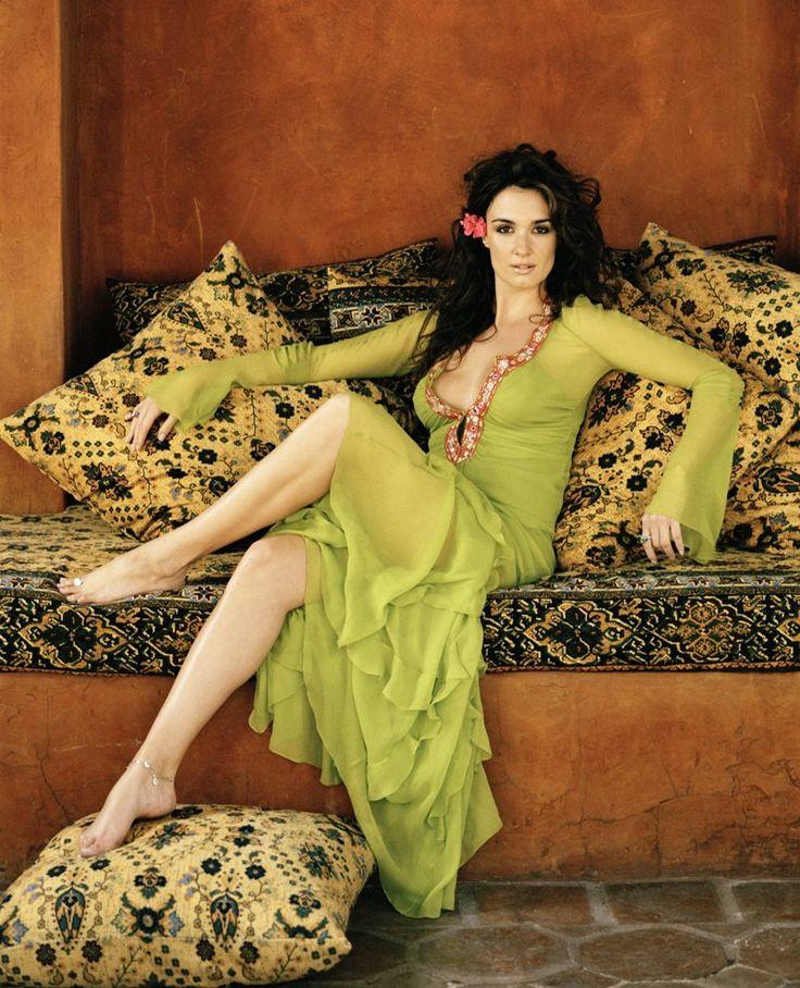 Paz Vega - green cover-up