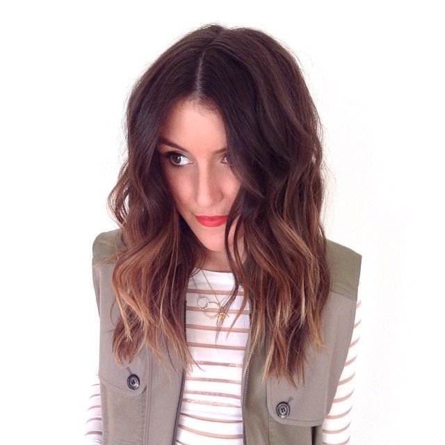 Trendy Hair Style 2017/2018 :    Sun kissed brunette hair with a sexy wave. Ombre, sombre or soft ombre.  - #HairStyle https://youfashion.net/trends/hair-style/trendy-hair-style-sun-kissed-brunette-hair-with-a-sexy-wave-ombre-sombre-or-soft-ombre/