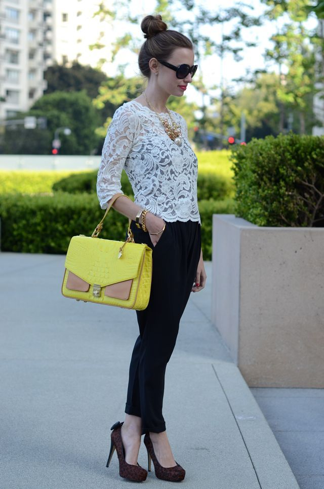 pop of color: Michael Kors Bags, Cute Outfits, Looks Books, Look Books, Yellow Bags, Love Lace, White Lace, Dat Bags, Black Pants