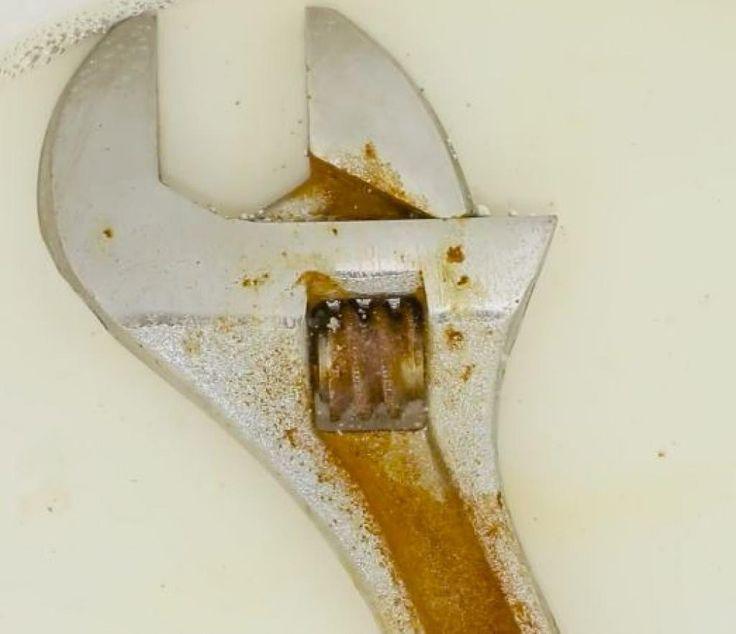 Les 25 meilleures id es de la cat gorie vieux outils sur pinterest art de p - Astuce pour enlever le calcaire dans les toilettes ...