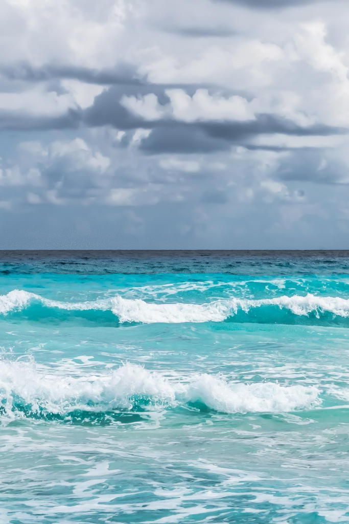 25+ best ideas about Ocean waves on Pinterest | Waves, Sea ...